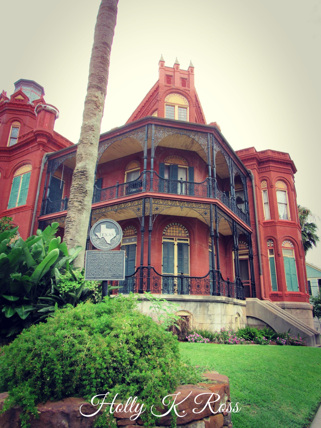 Upclose Historic Home Galveston 2019